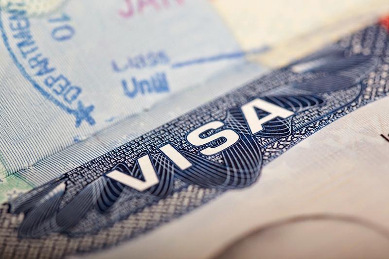 Lệ phí xét đơn cho loại visakhông định cư phổ biến nhất là 160 đô-la